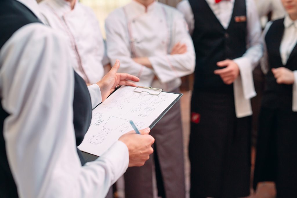 restaurant staff training program